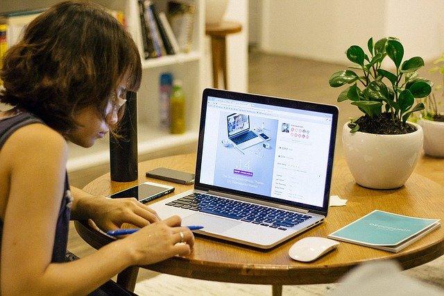 Berufsbegleitend studieren – die Karrierechancen erhöhen