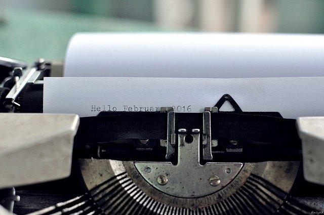 typewriter-1209140_640
